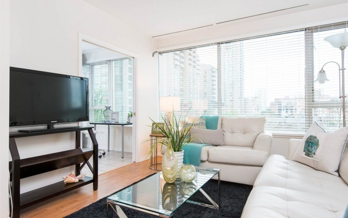 1 Bedroom Apartment/Condo in Vancouver at 405 1177 HORNBY STREET